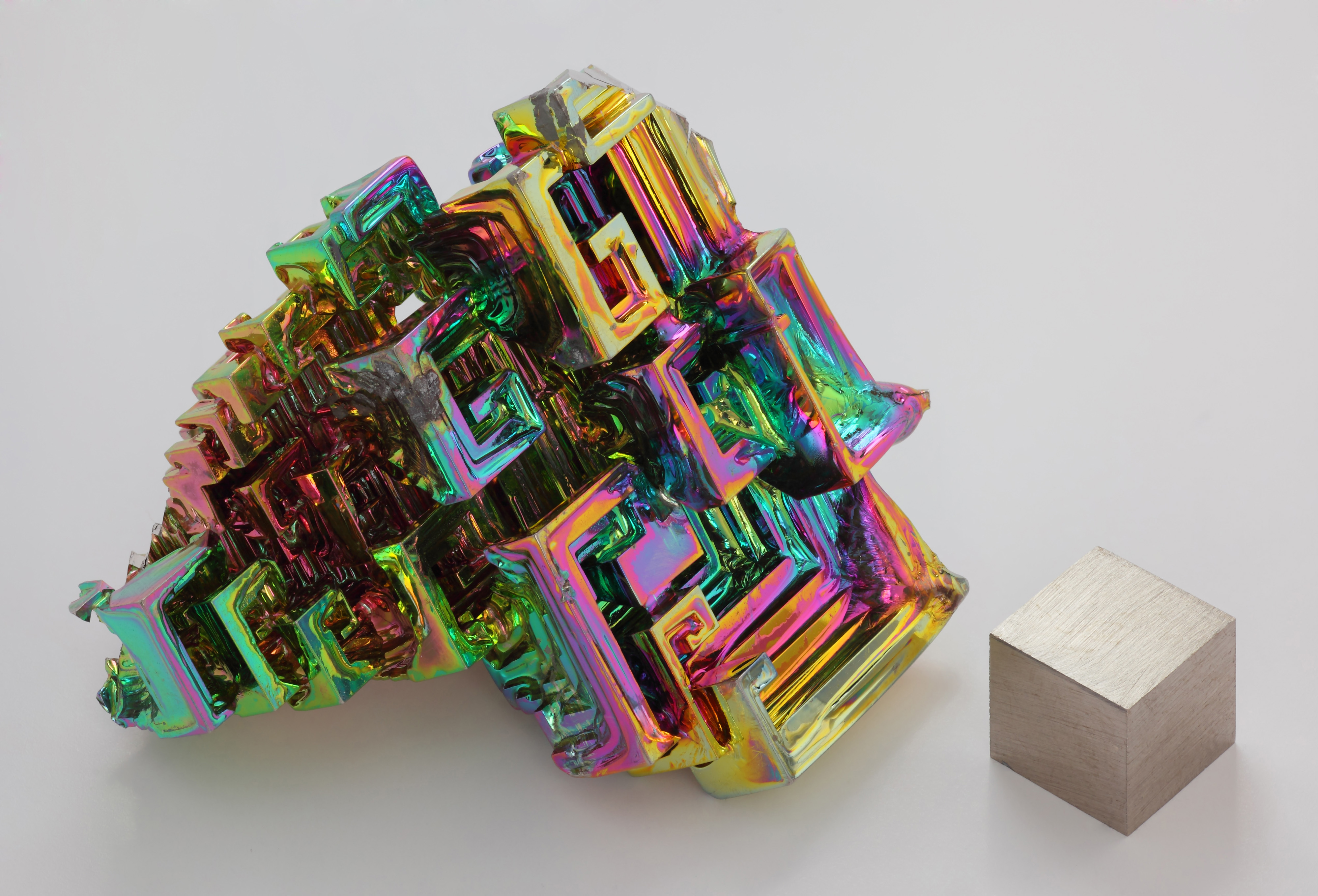 abstract iridescence bismuth crystal HD Wallpaper