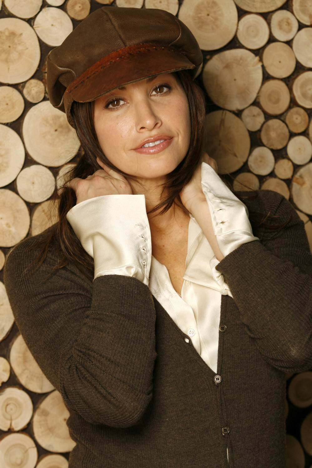 Actress MILF Gina Gershon HD Wallpaper