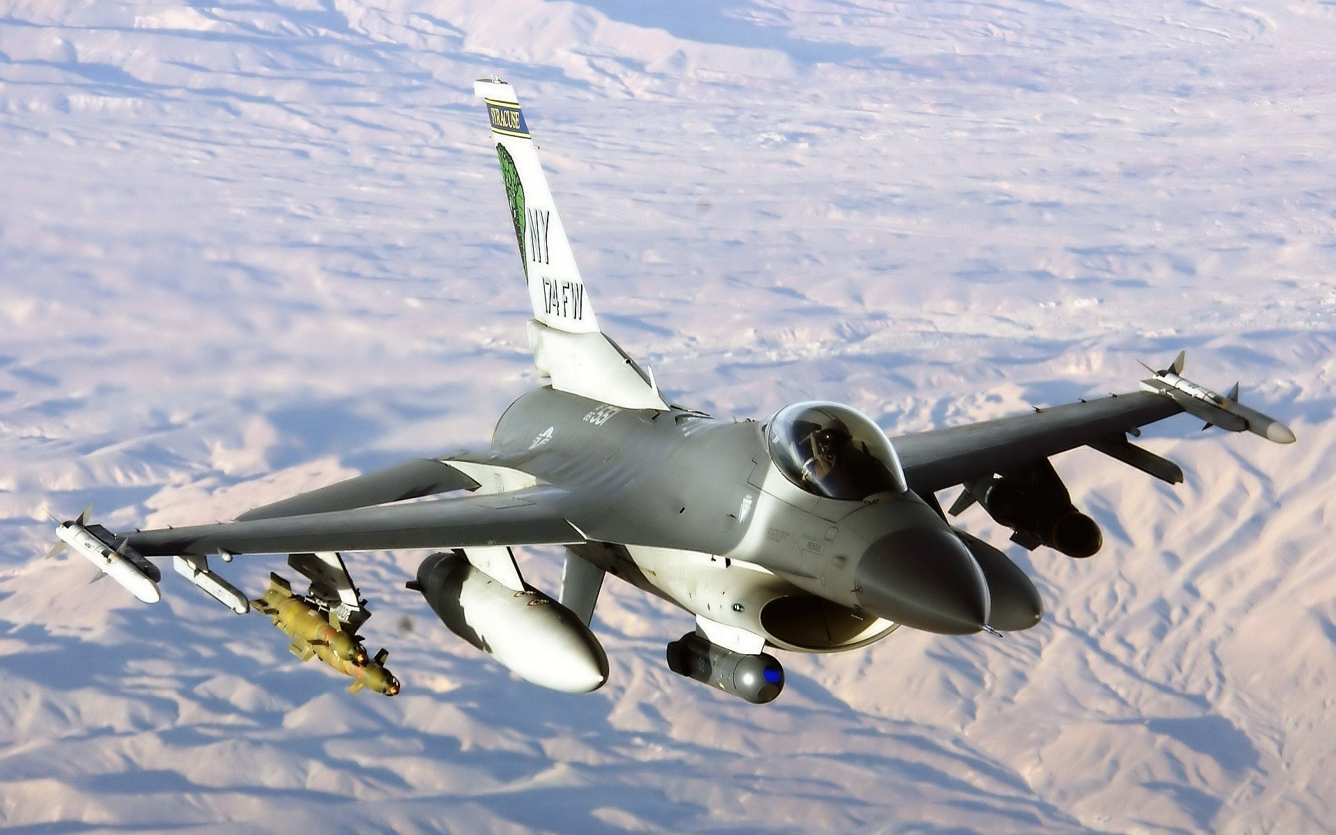 Aircraft f-16 fighting falcon HD Wallpaper