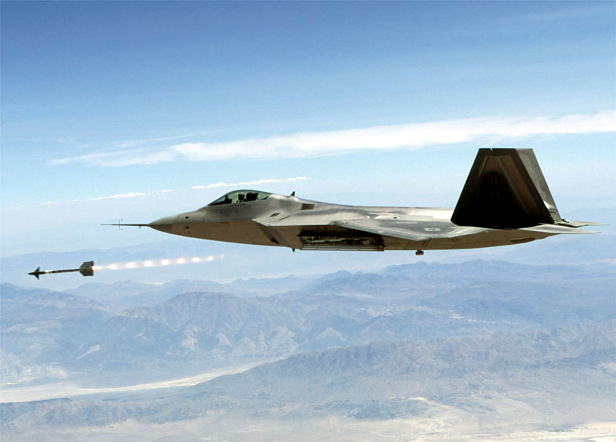 Aircraft military raptor F-22