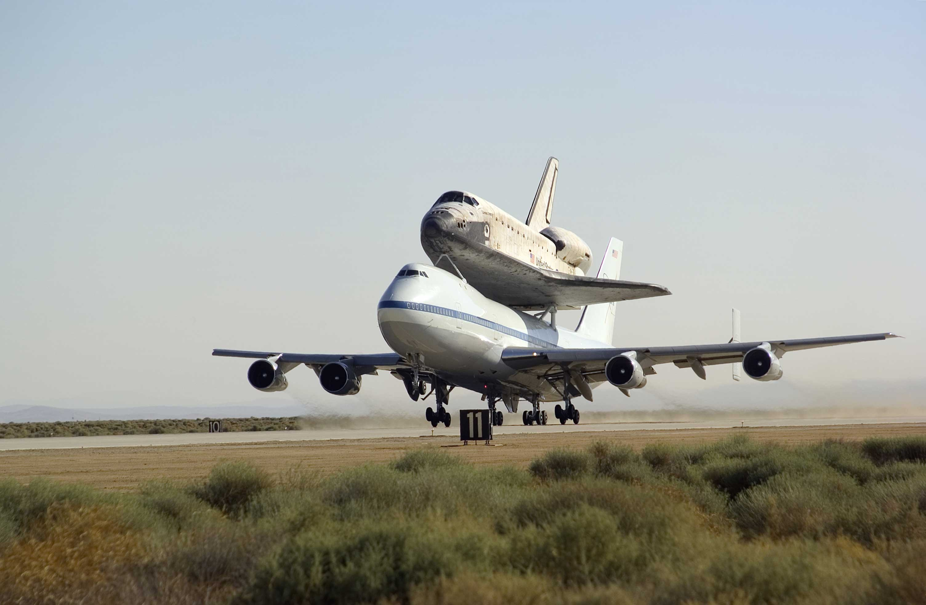 airplanes space shuttle HD Wallpaper