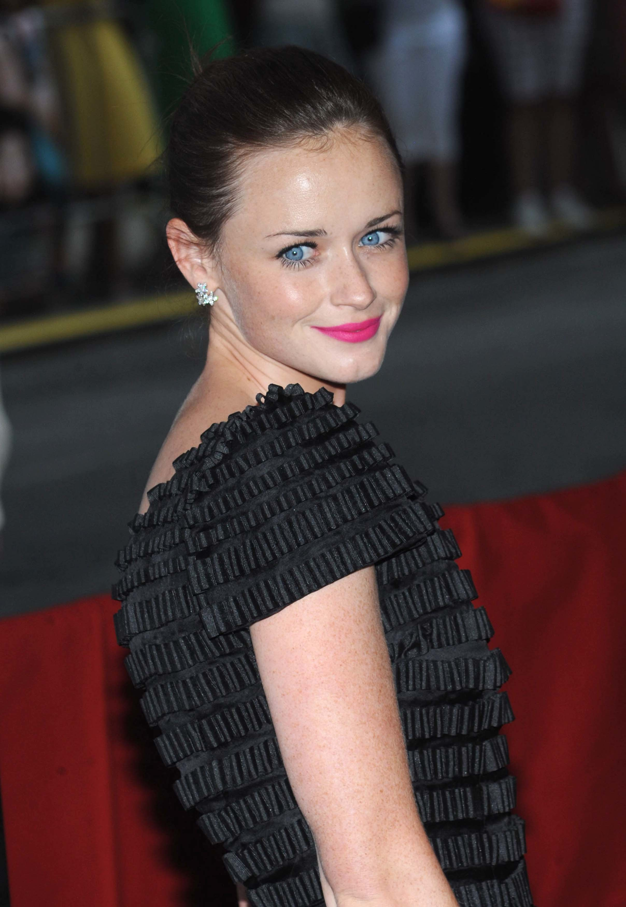 alexis bledel Celebrity HD Wallpaper