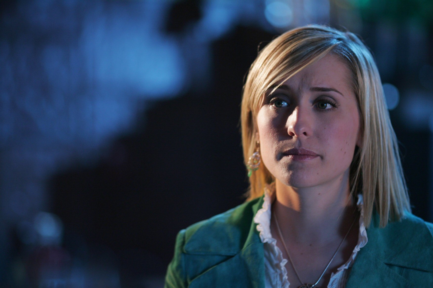 allison mack Smallville Celebrity HD Wallpaper