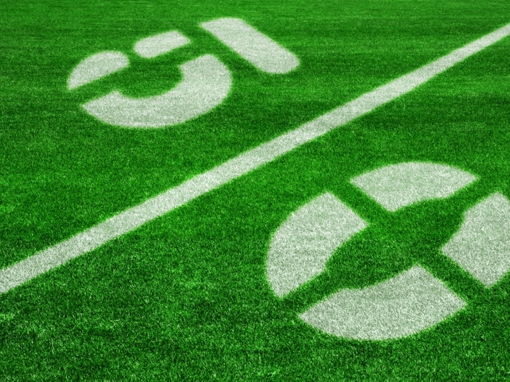 Tags:fiftyyardlineonanamericanfootballfield