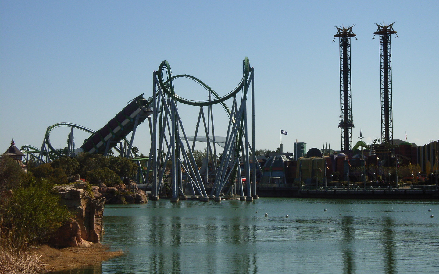 amusement Park roller coaster HD Wallpaper