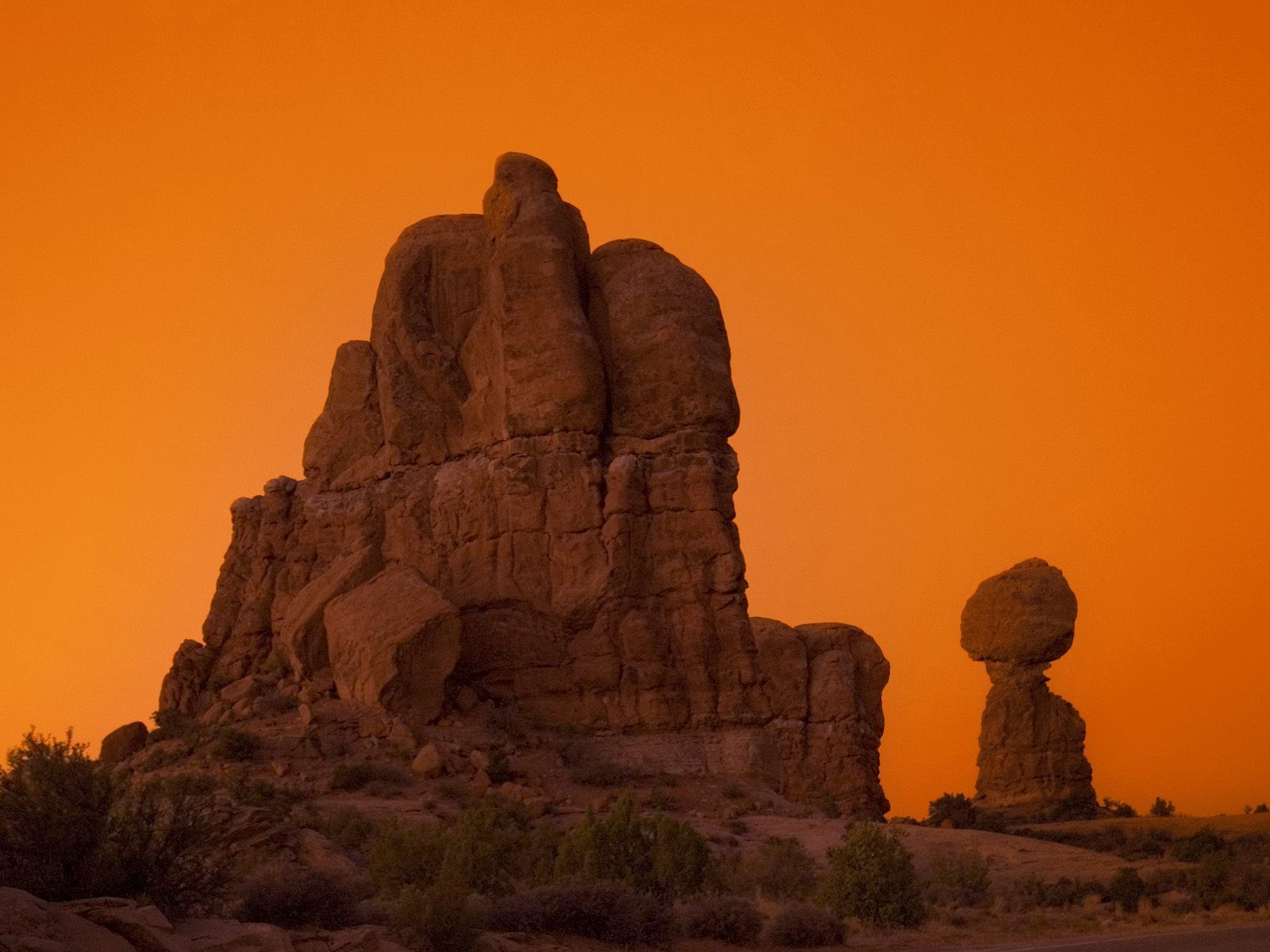 balanced rock arches National HD Wallpaper