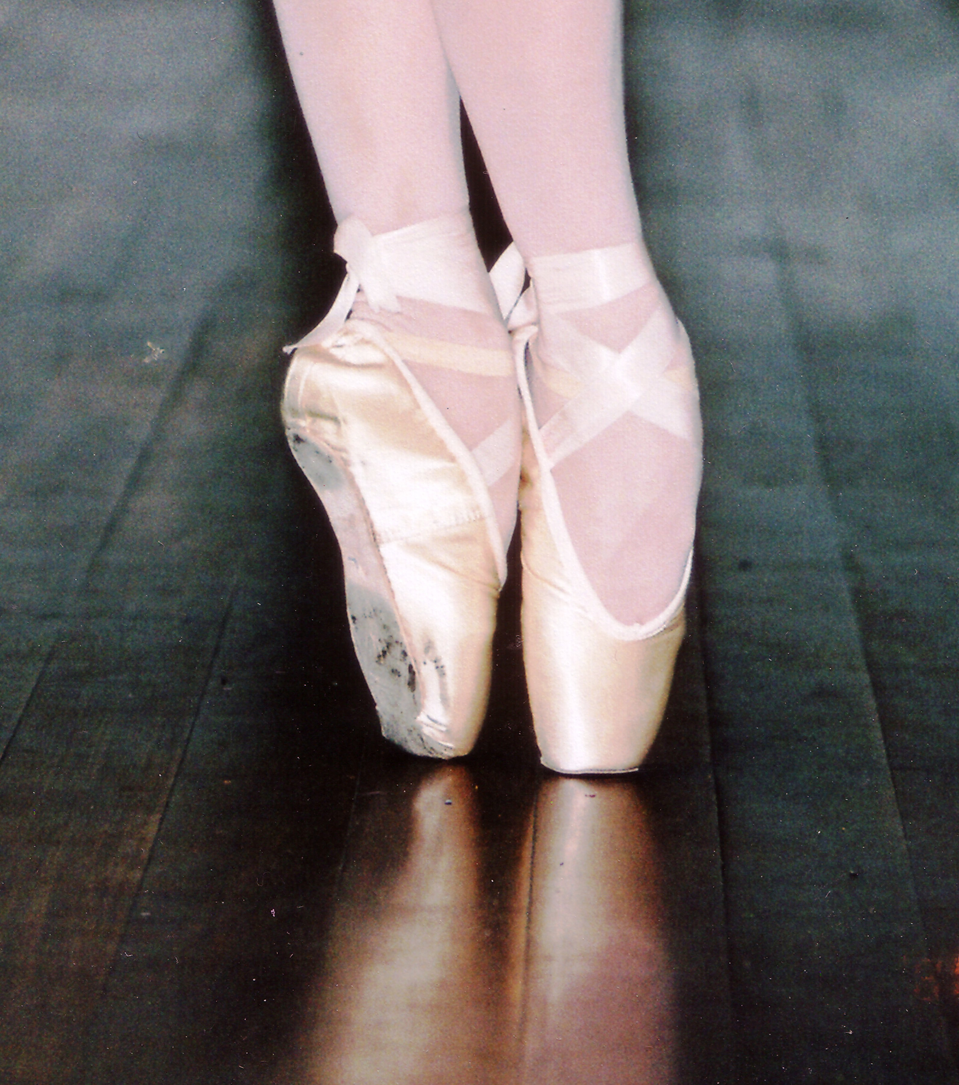 ballet shoes HD Wallpaper