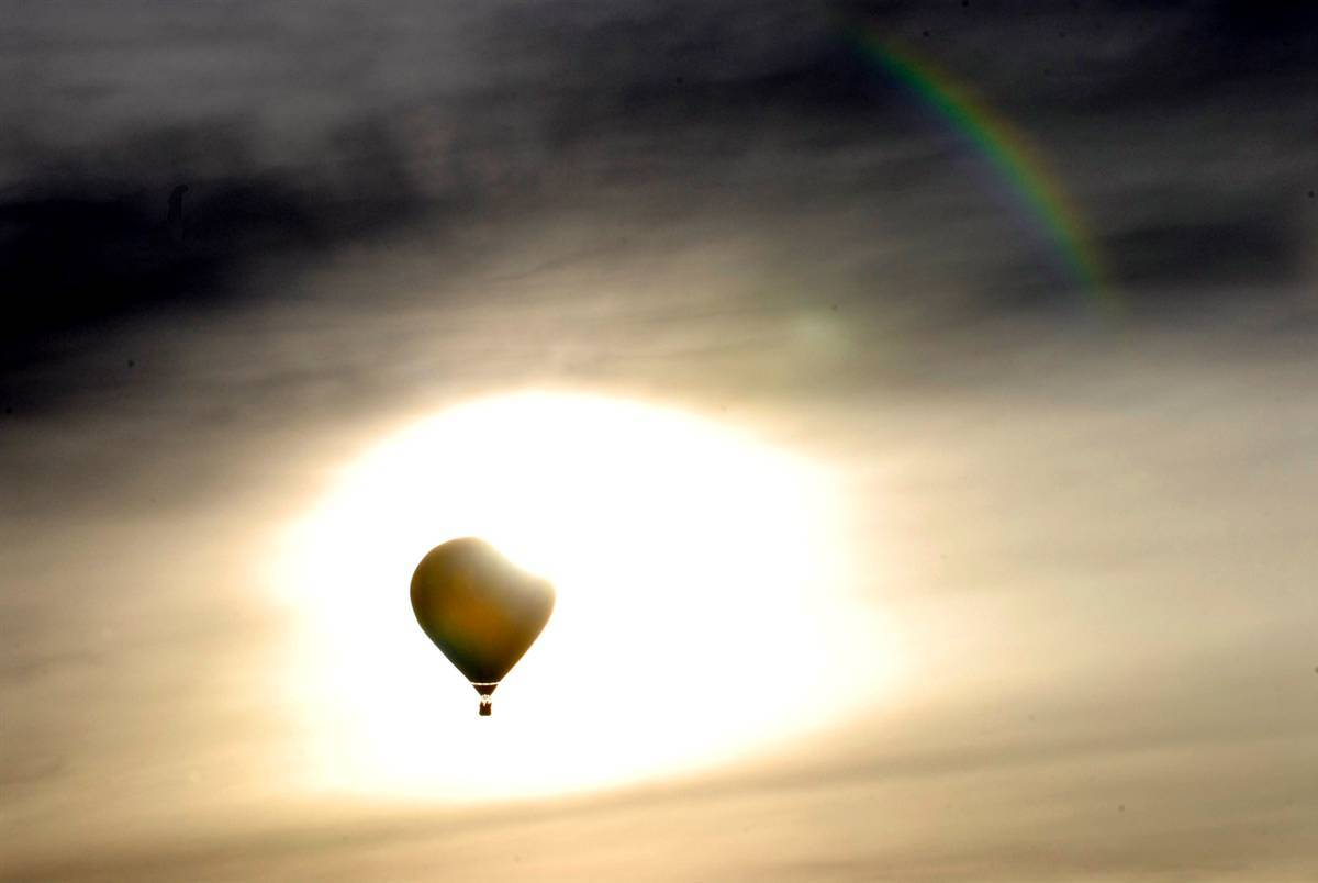 Balloons skyscapes HD Wallpaper