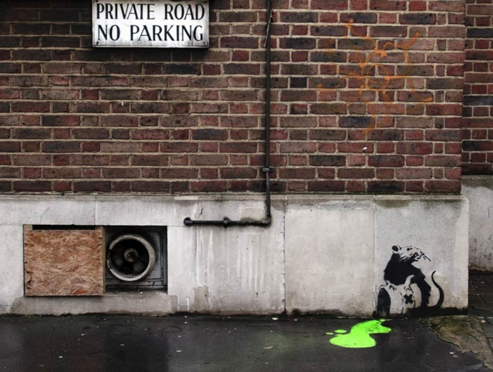 banksy street art HD Wallpaper