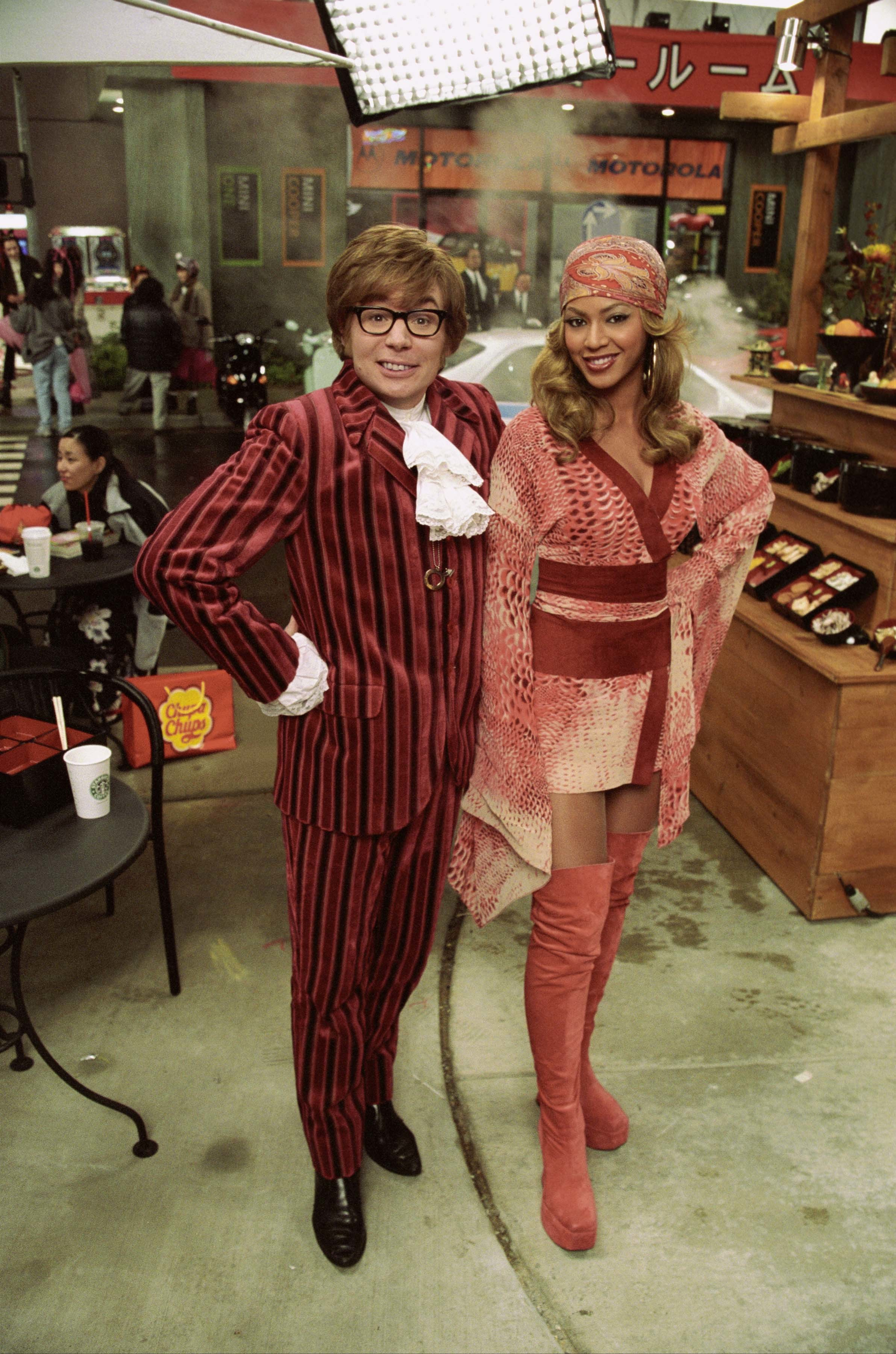 beyonce knowles Austin Powers HD Wallpaper