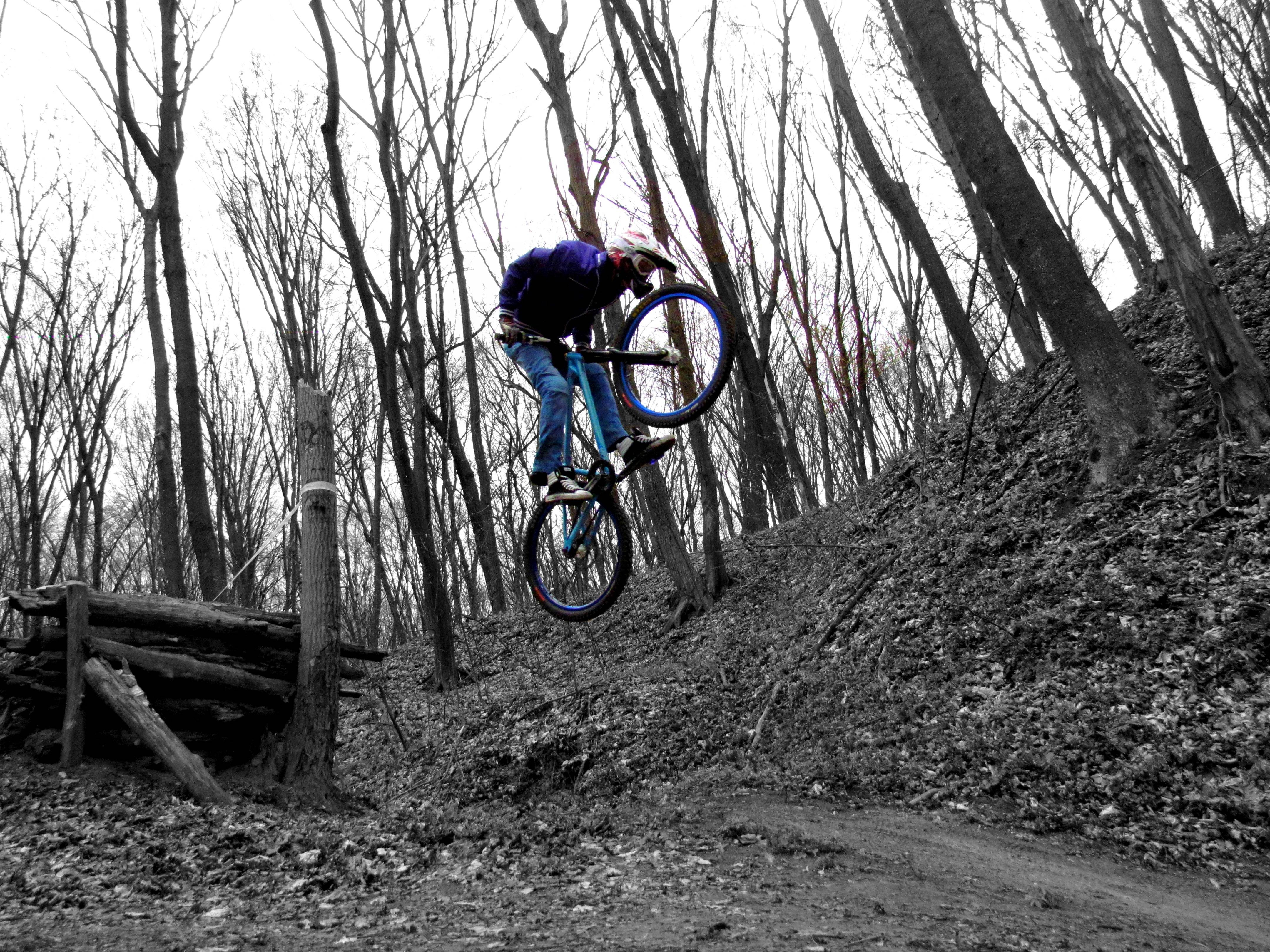 Bicycles drop Sports jumping HD Wallpaper