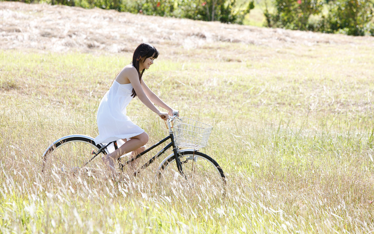 Bicycles white dress HD Wallpaper
