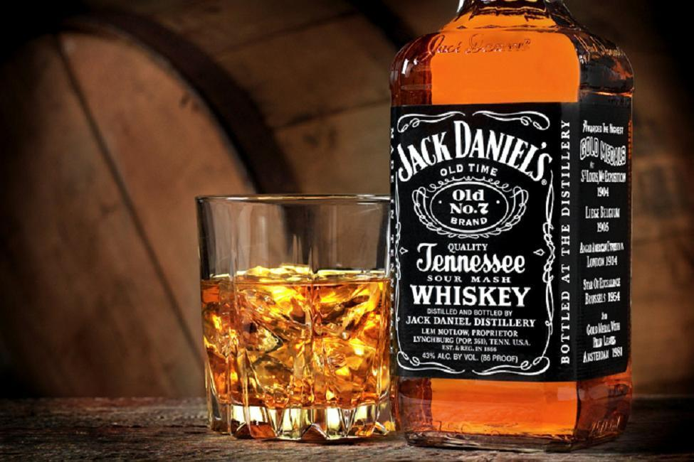 [Image: jack_daniels_desktop_975x650_wallpaper-111928.jpeg]