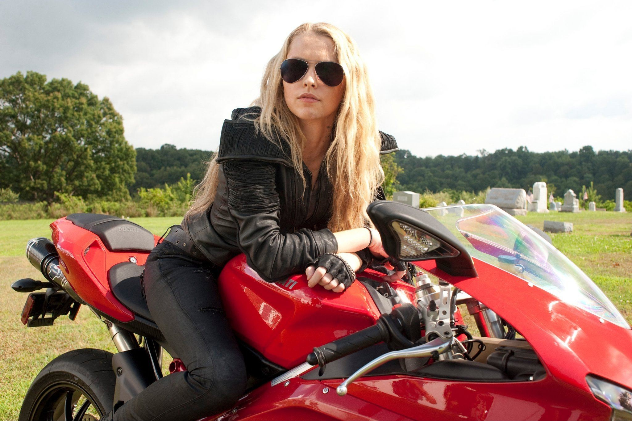 blondes woman Actress sunglasses HD Wallpaper