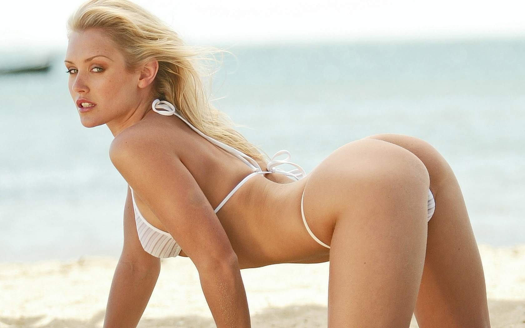blondes woman bikini ass HD Wallpaper