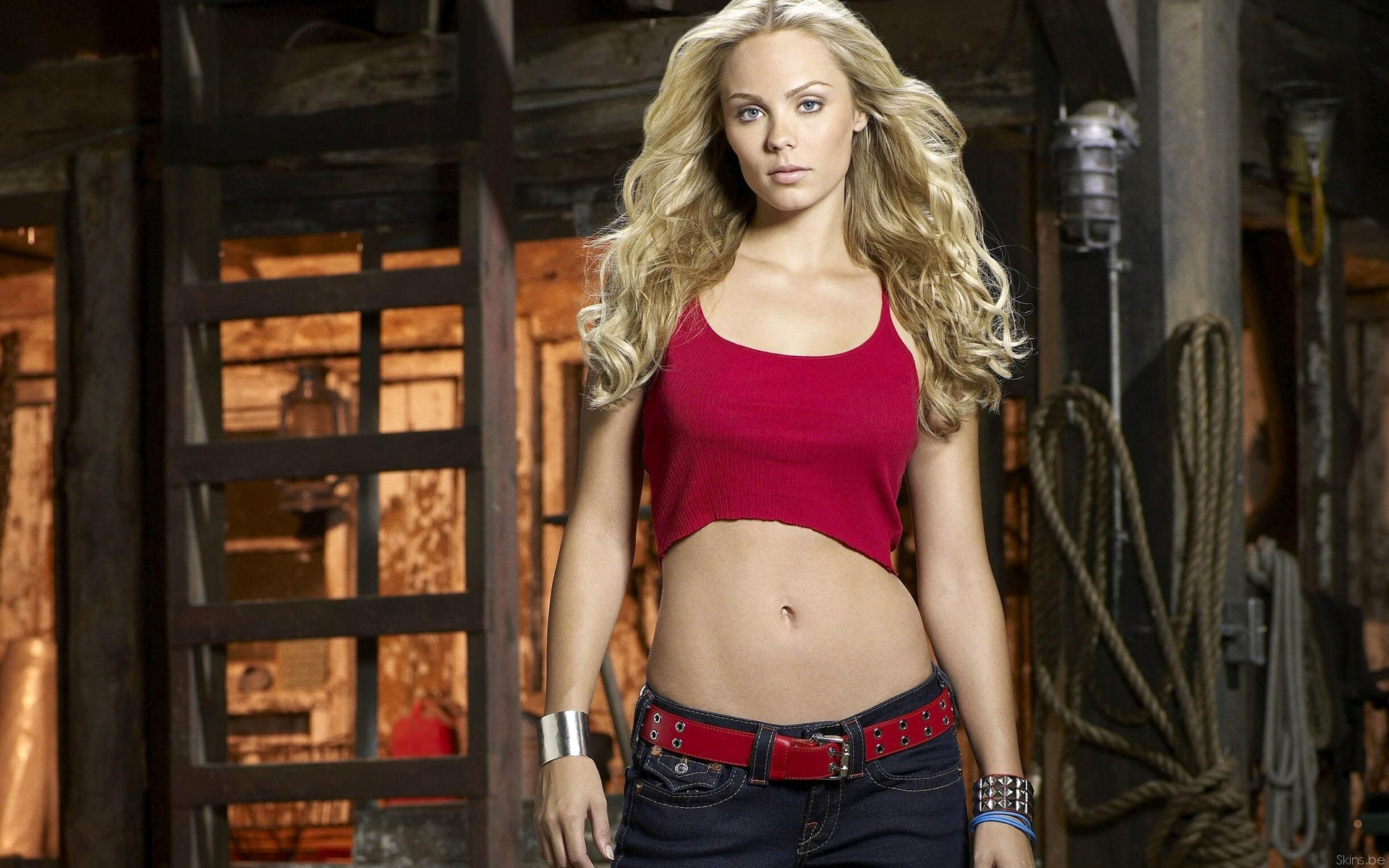 blondes woman Laura Vandervoort