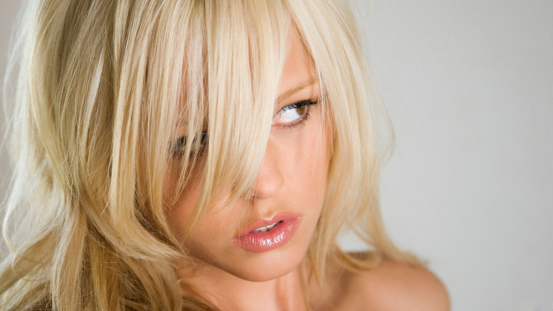 blondes woman lips mouth