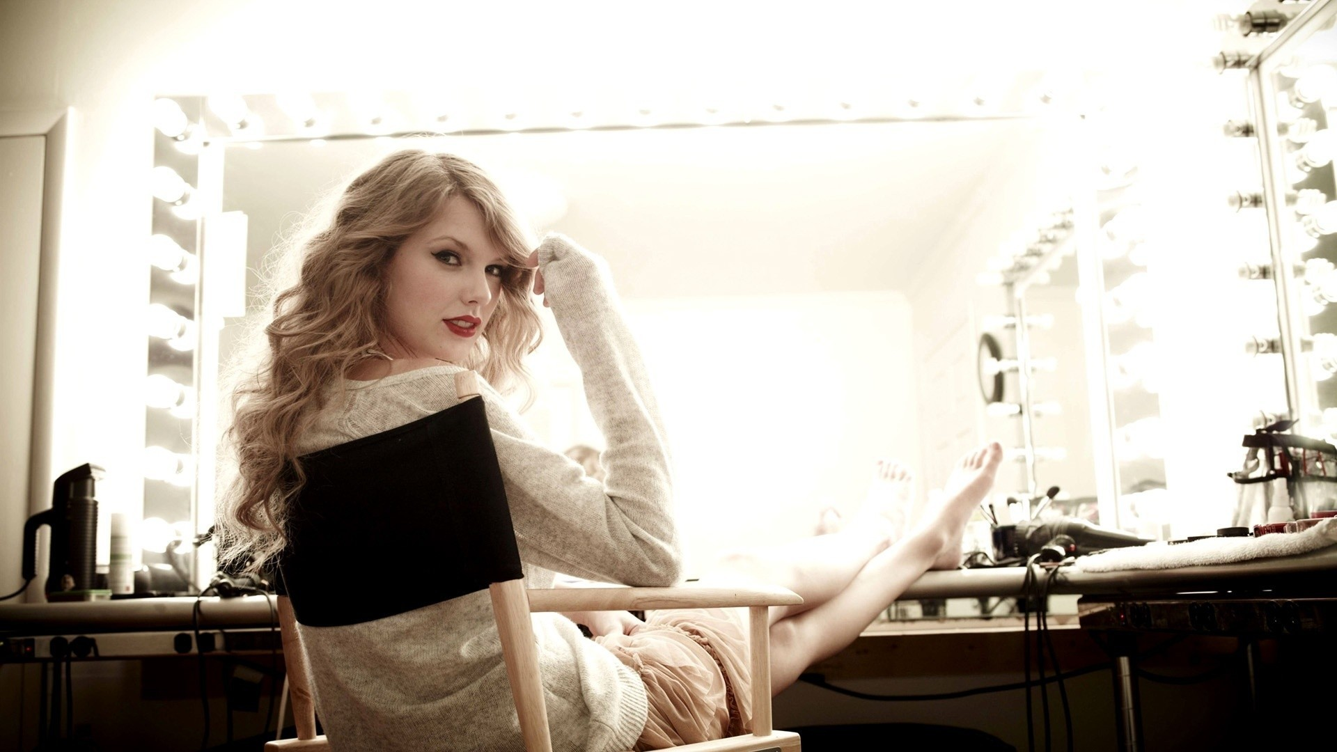 blondes woman mirrors taylor HD Wallpaper