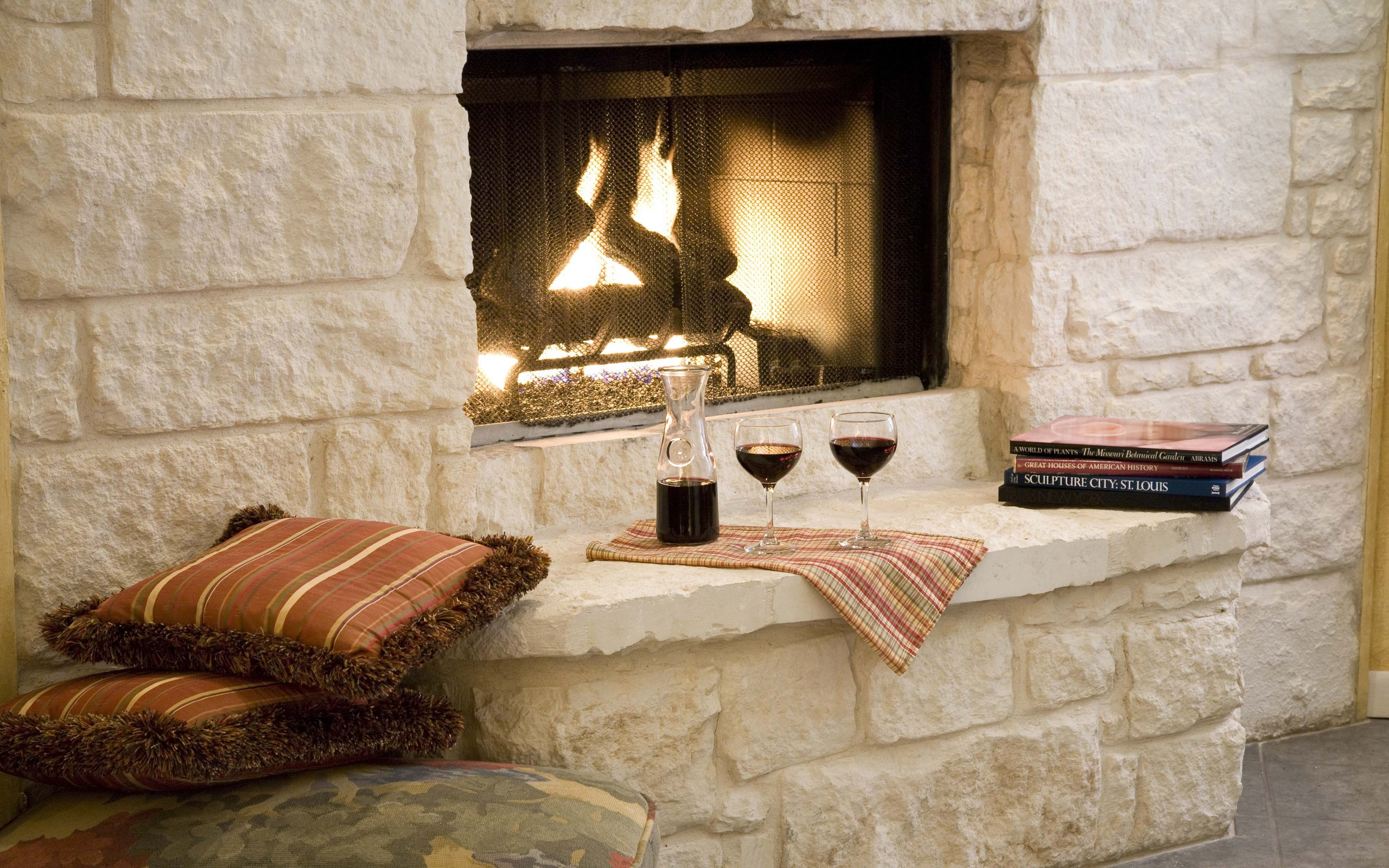 Books wine fireplaces HD Wallpaper