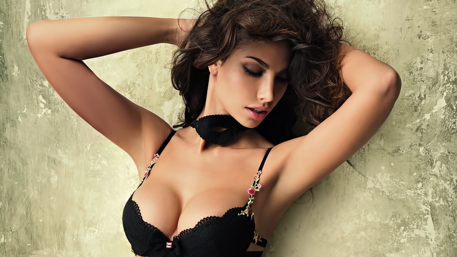 brunettes boobs woman bra HD Wallpaper