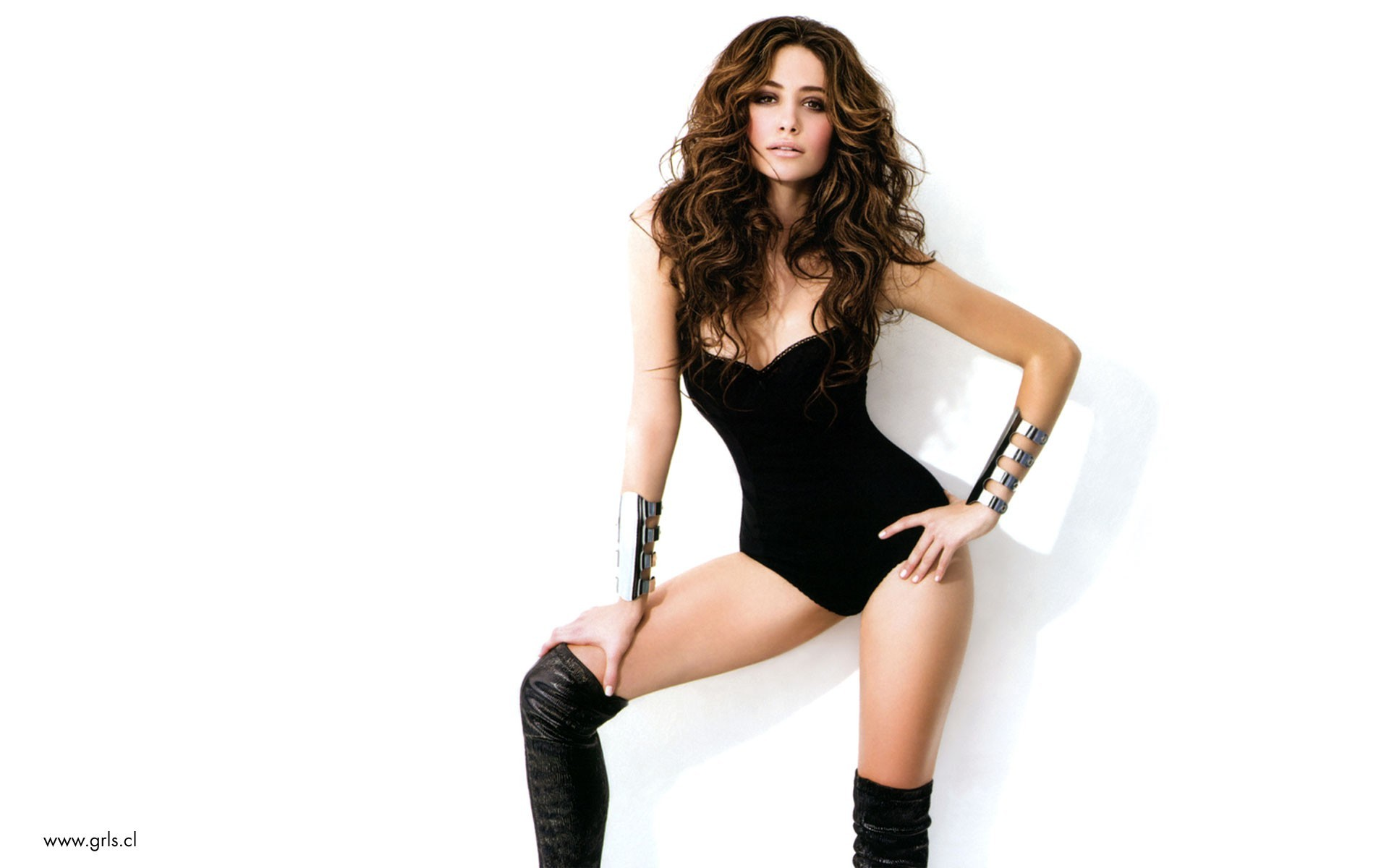 brunettes boots woman cleavage HD Wallpaper