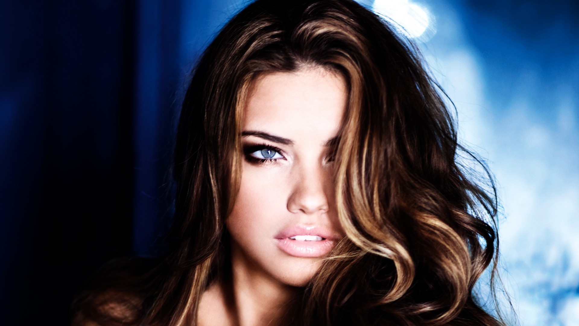 brunettes eyes adriana lima HD Wallpaper