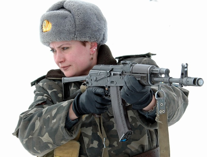 brunettes winter Guns Army HD Wallpaper
