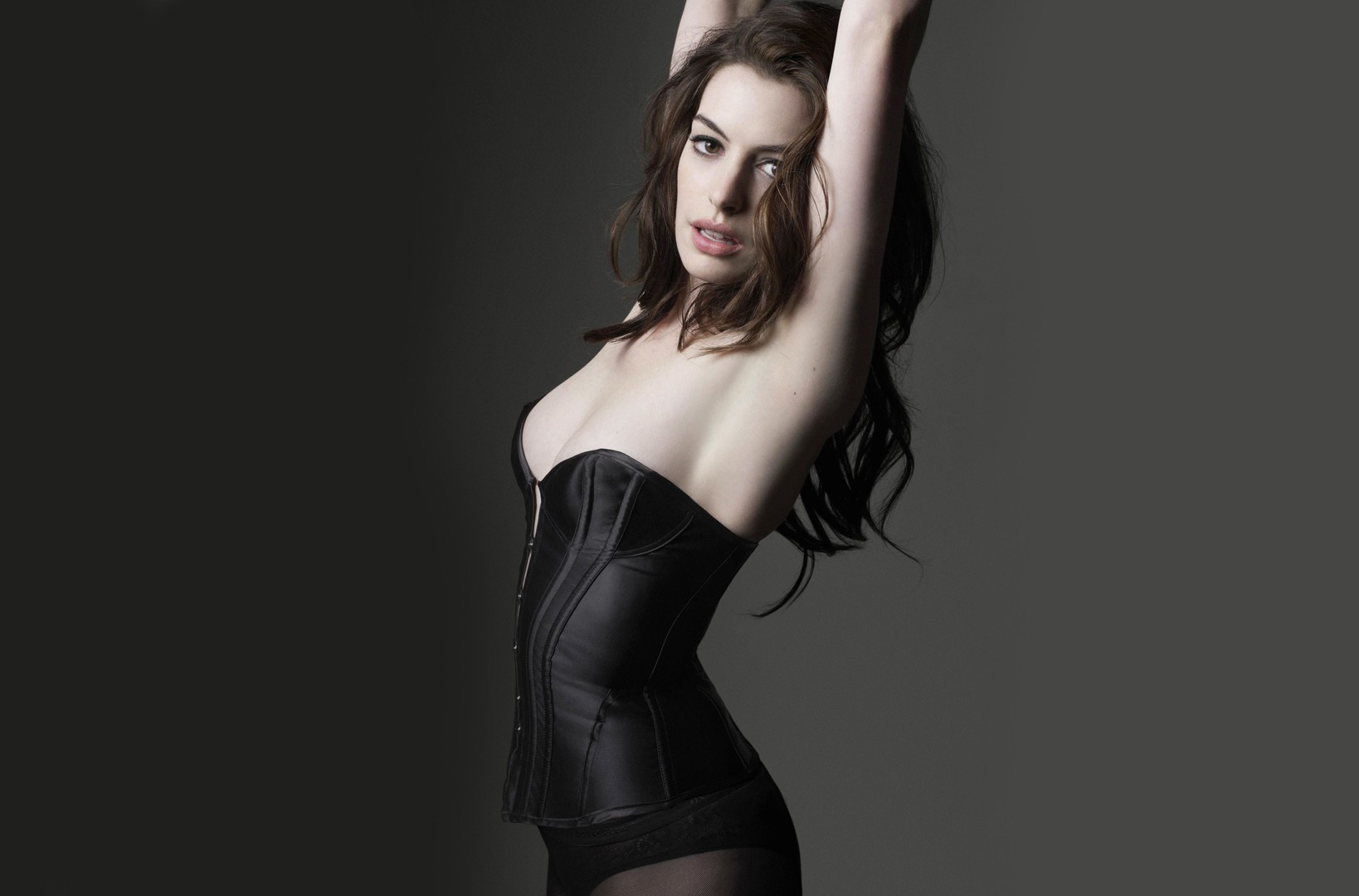 brunettes woman anne hathaway HD Wallpaper
