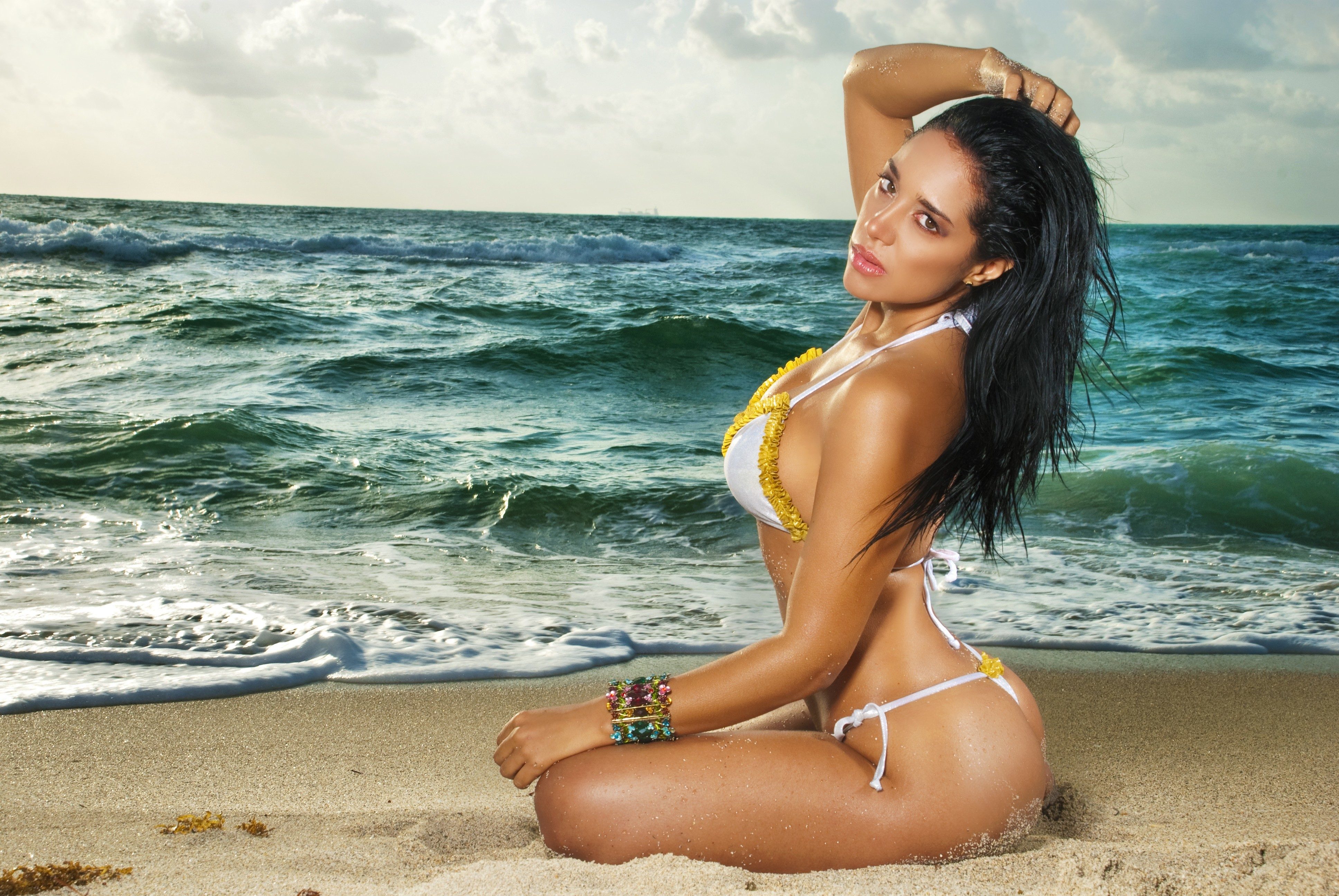 brunettes woman bikini sand HD Wallpaper