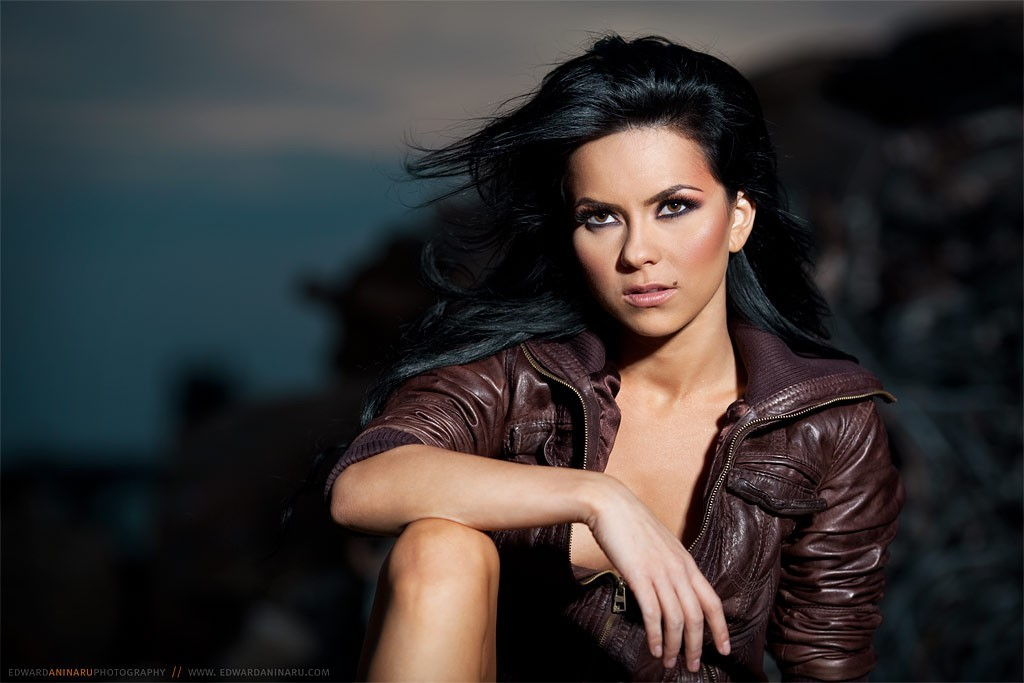 brunettes woman Celebrity romania HD Wallpaper