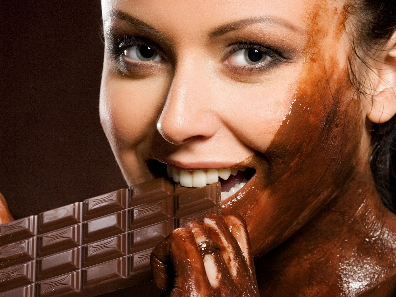 brunettes woman chocolate green HD Wallpaper