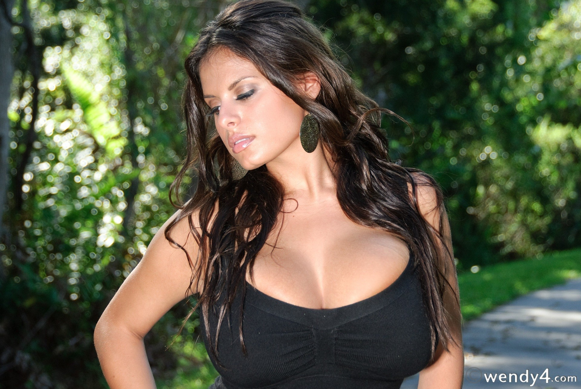 brunettes woman cleavage models HD Wallpaper