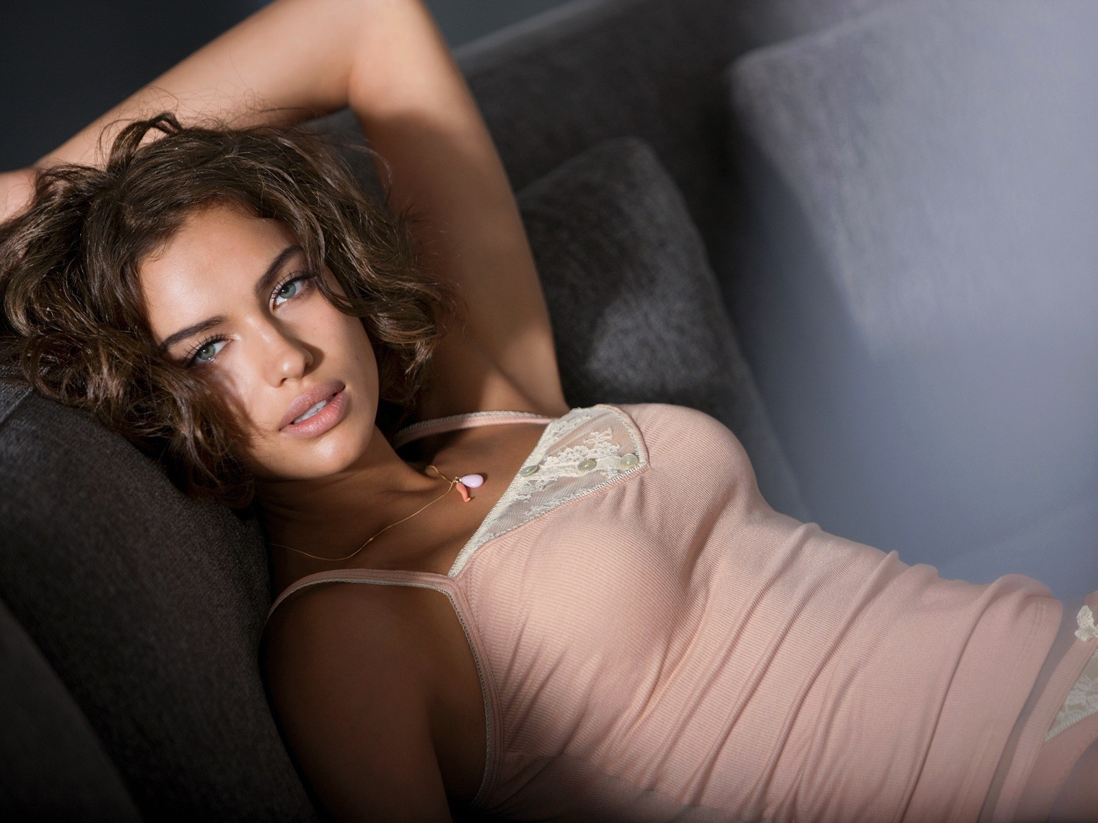 brunettes woman irina shayk HD Wallpaper