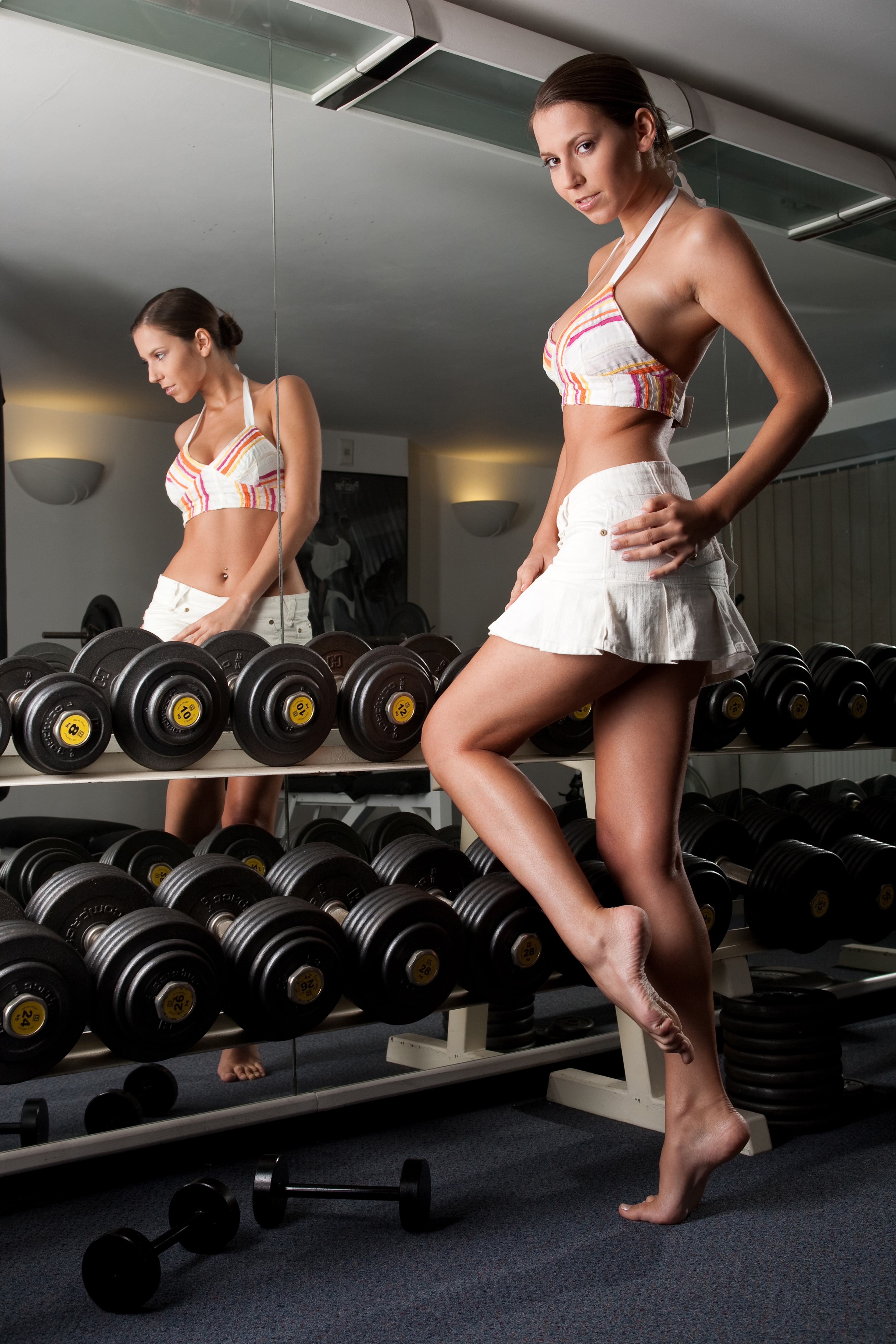 brunettes woman skirts gym HD Wallpaper
