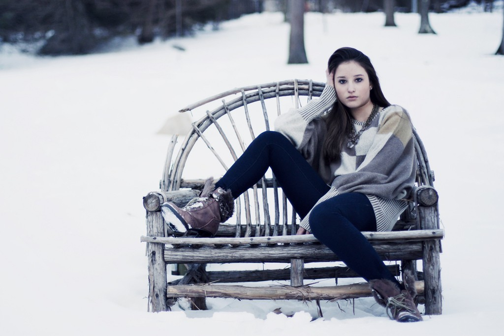 brunettes woman snow jeans HD Wallpaper