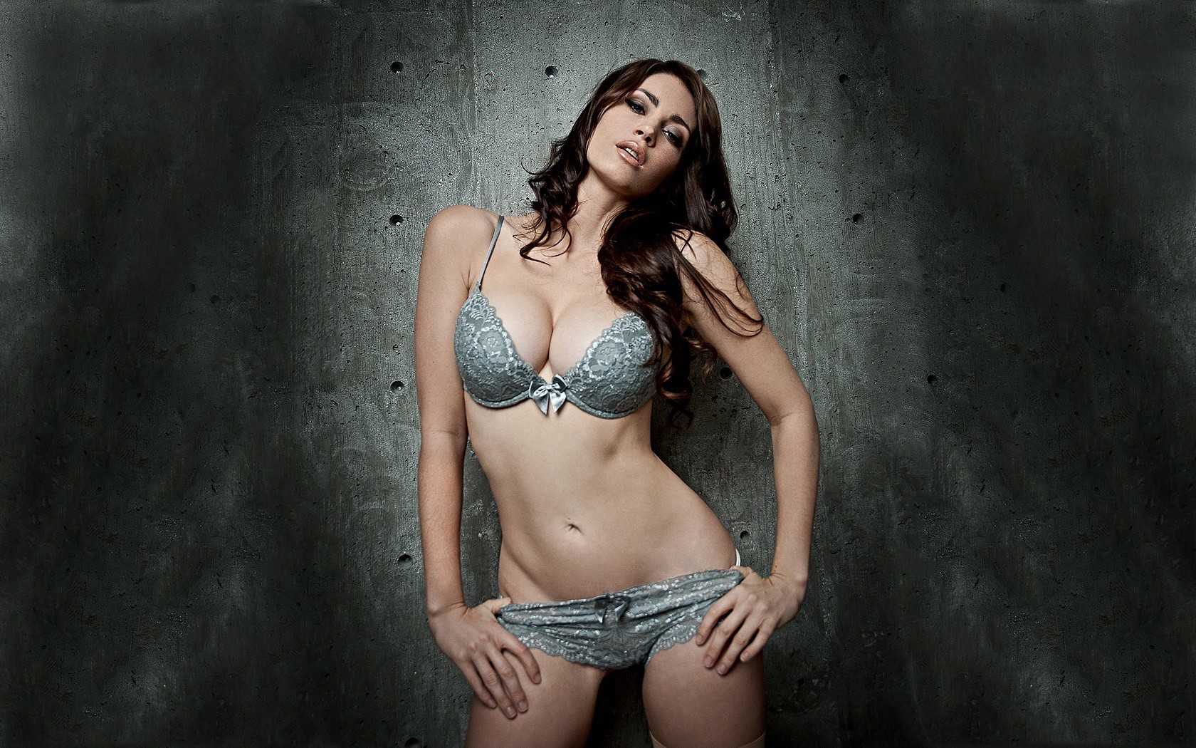 brunettes Women tanit phoenix HD Wallpaper