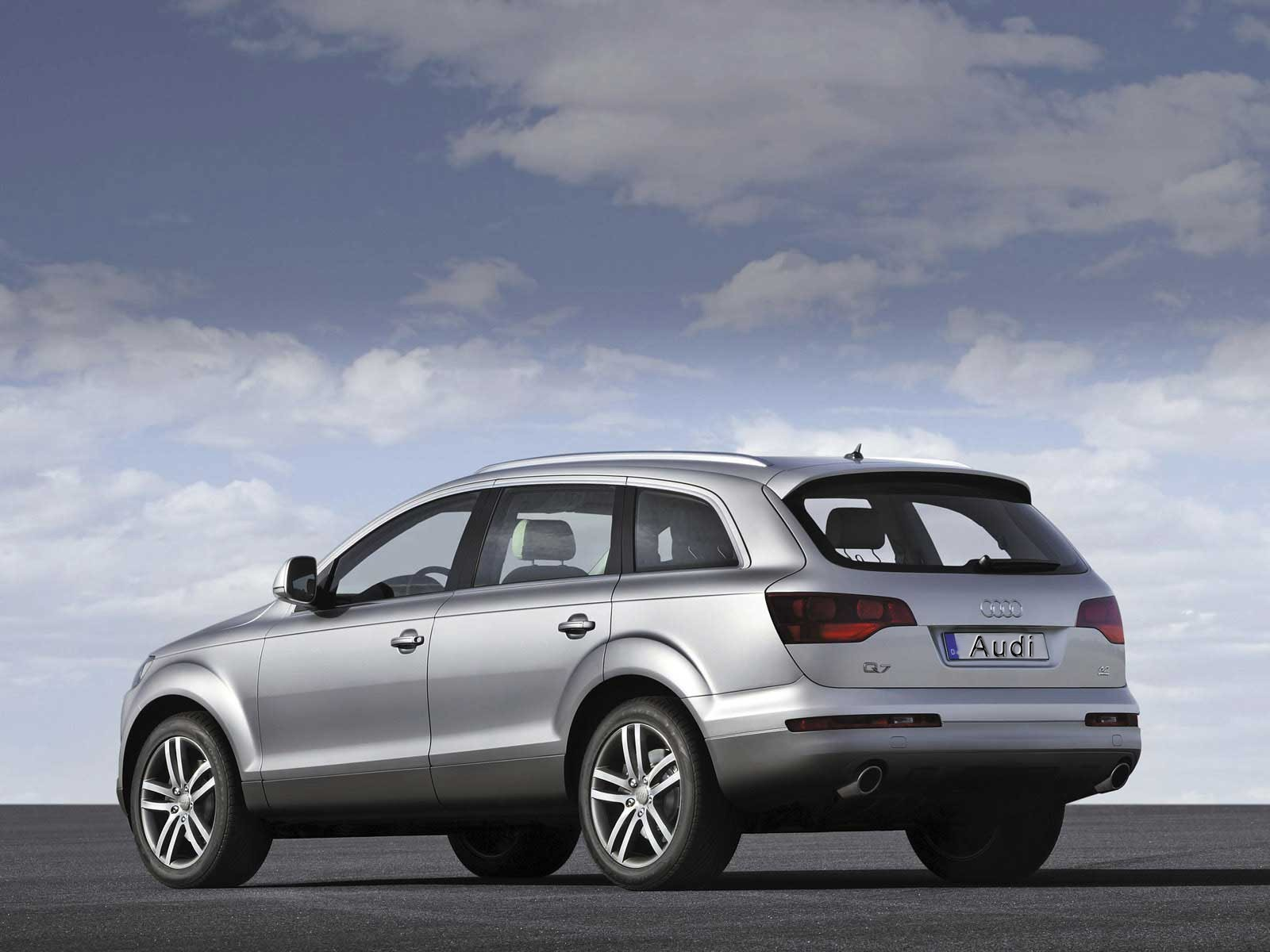 cars audi q7 SUV HD Wallpaper