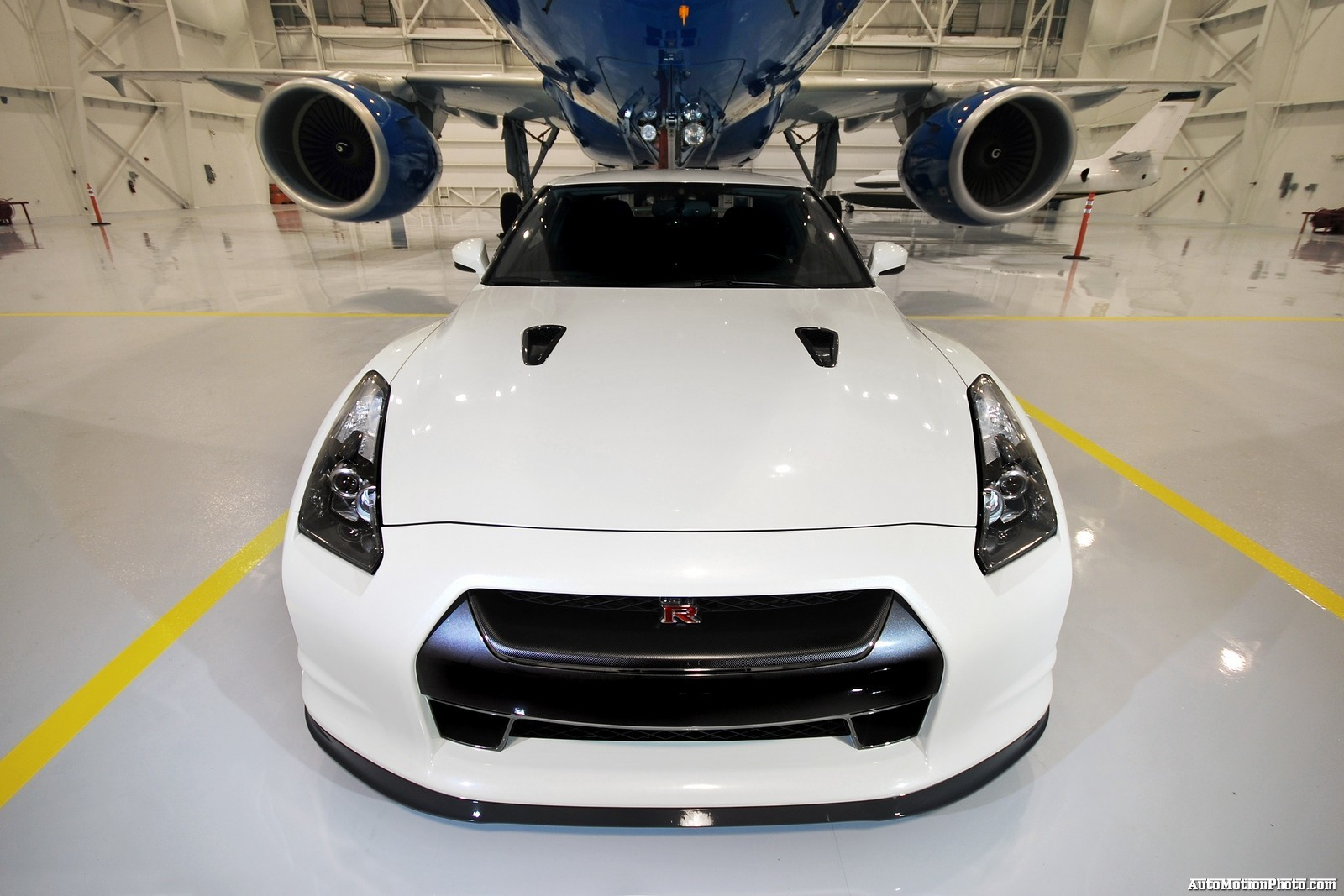 cars Nissan jet aircraft HD Wallpaper