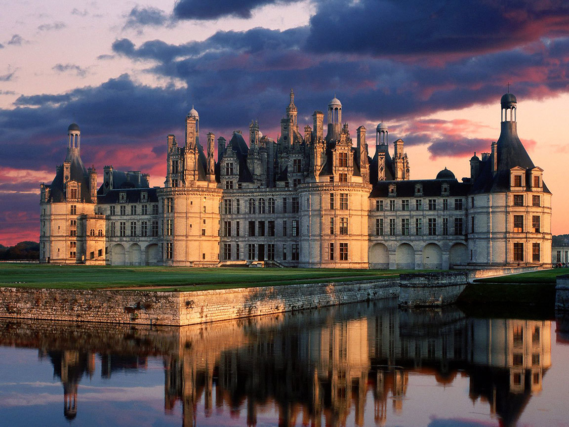 Castles France Chambord reflections