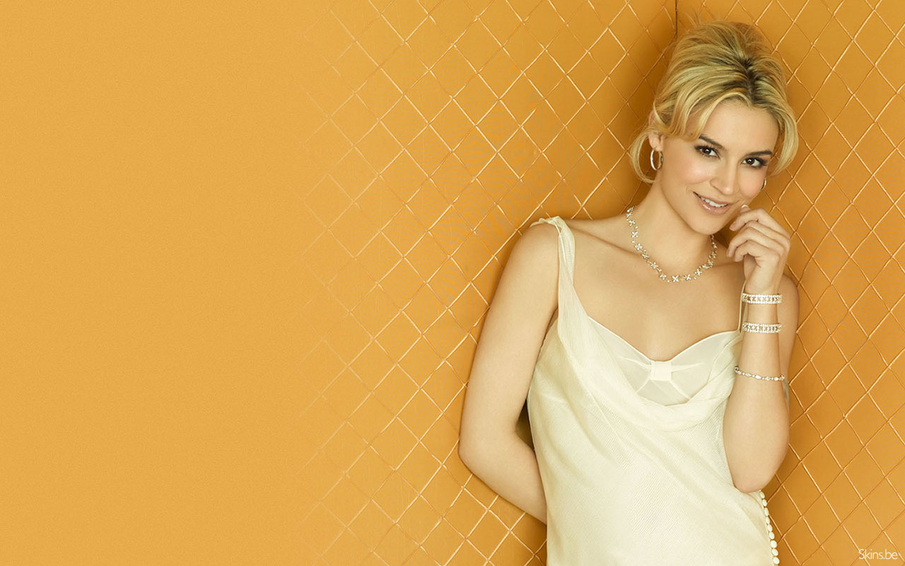 Celebrity samaire armstrong any HD Wallpaper