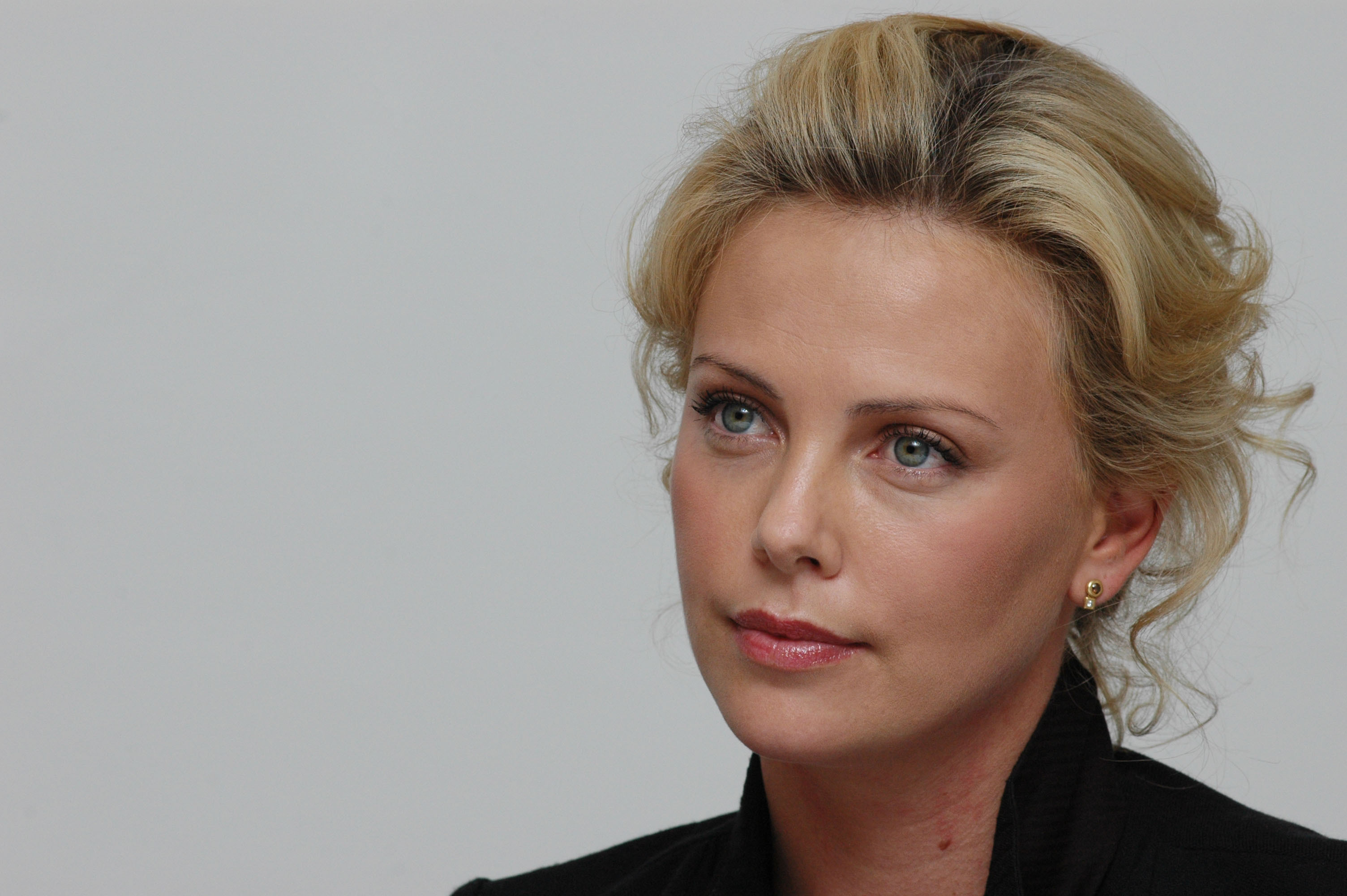 Charlize Theron Celebrities Celebrity HD Wallpaper