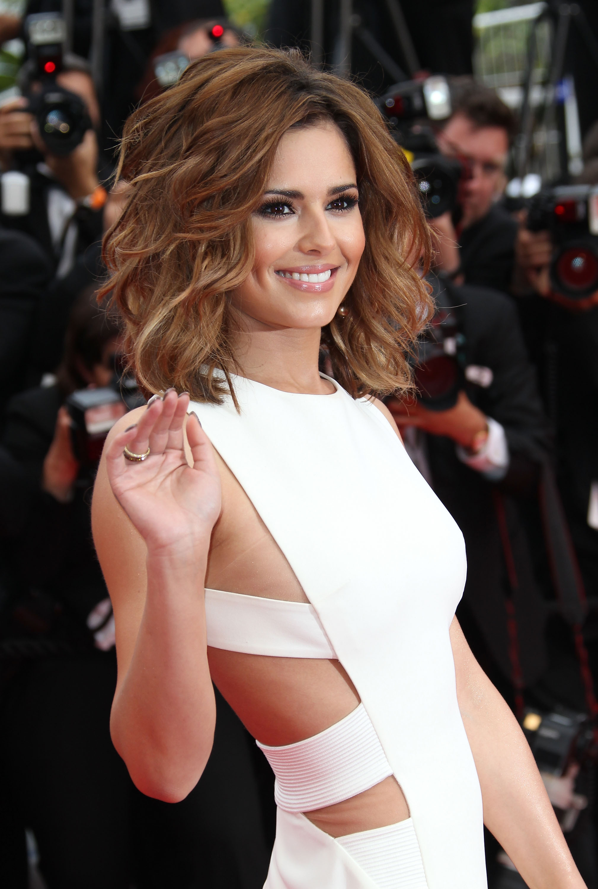 Cheryl cole white dress HD Wallpaper