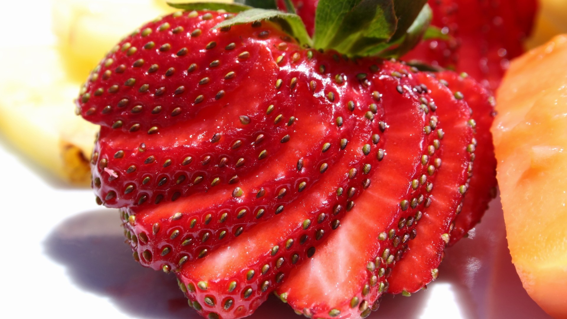 close-up fruits food strawberries HD Wallpaper