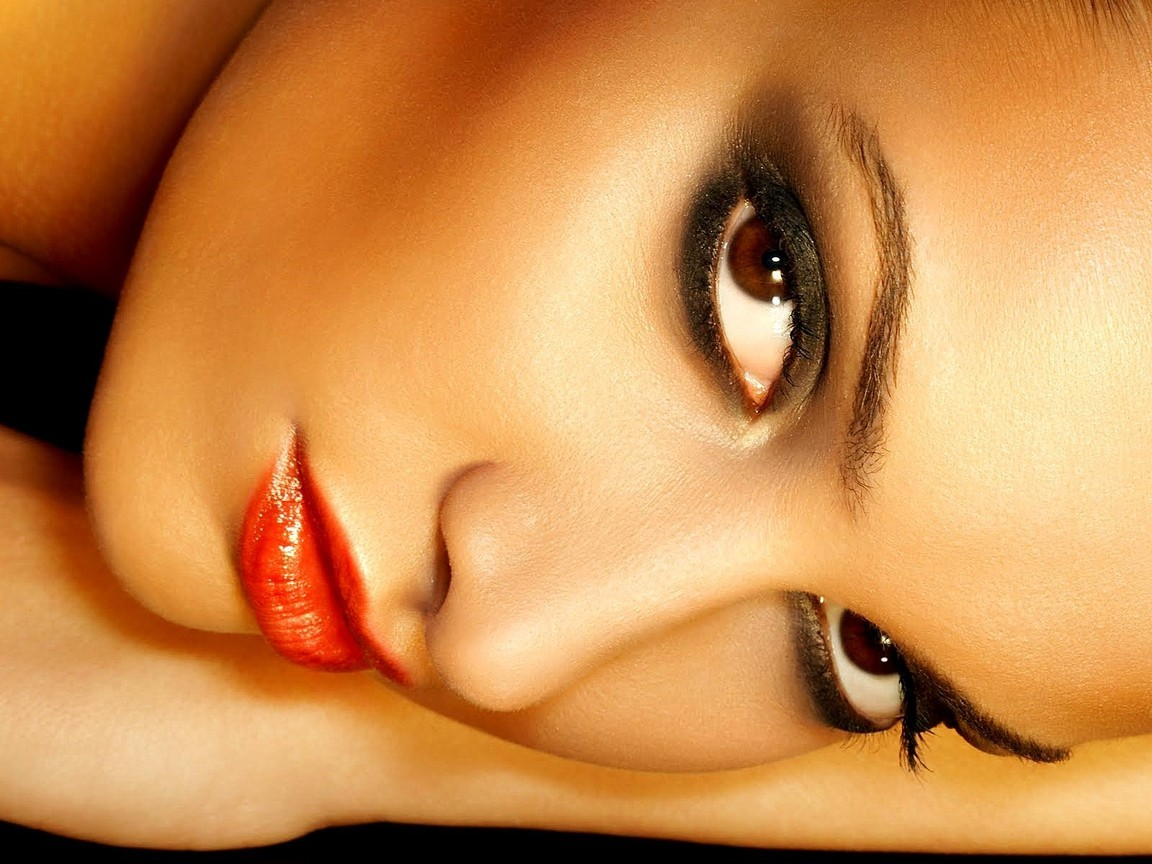 close-up lips brown eyes HD Wallpaper