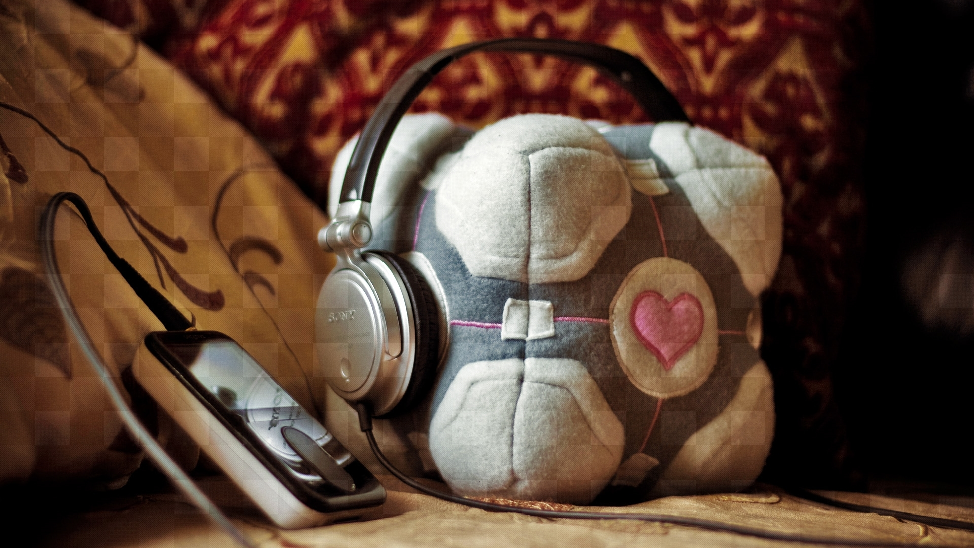 Companion Cube headphones HD Wallpaper