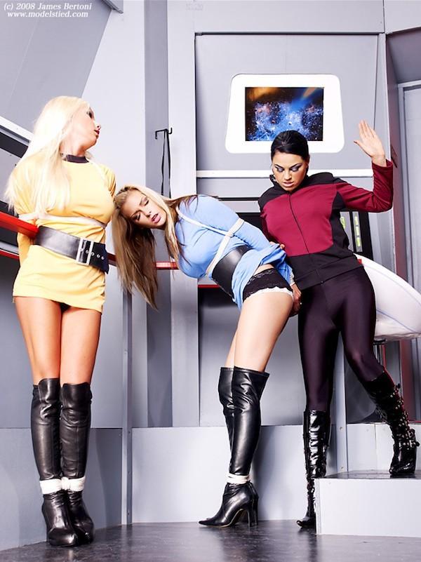 Cosplay bondage Star Trek