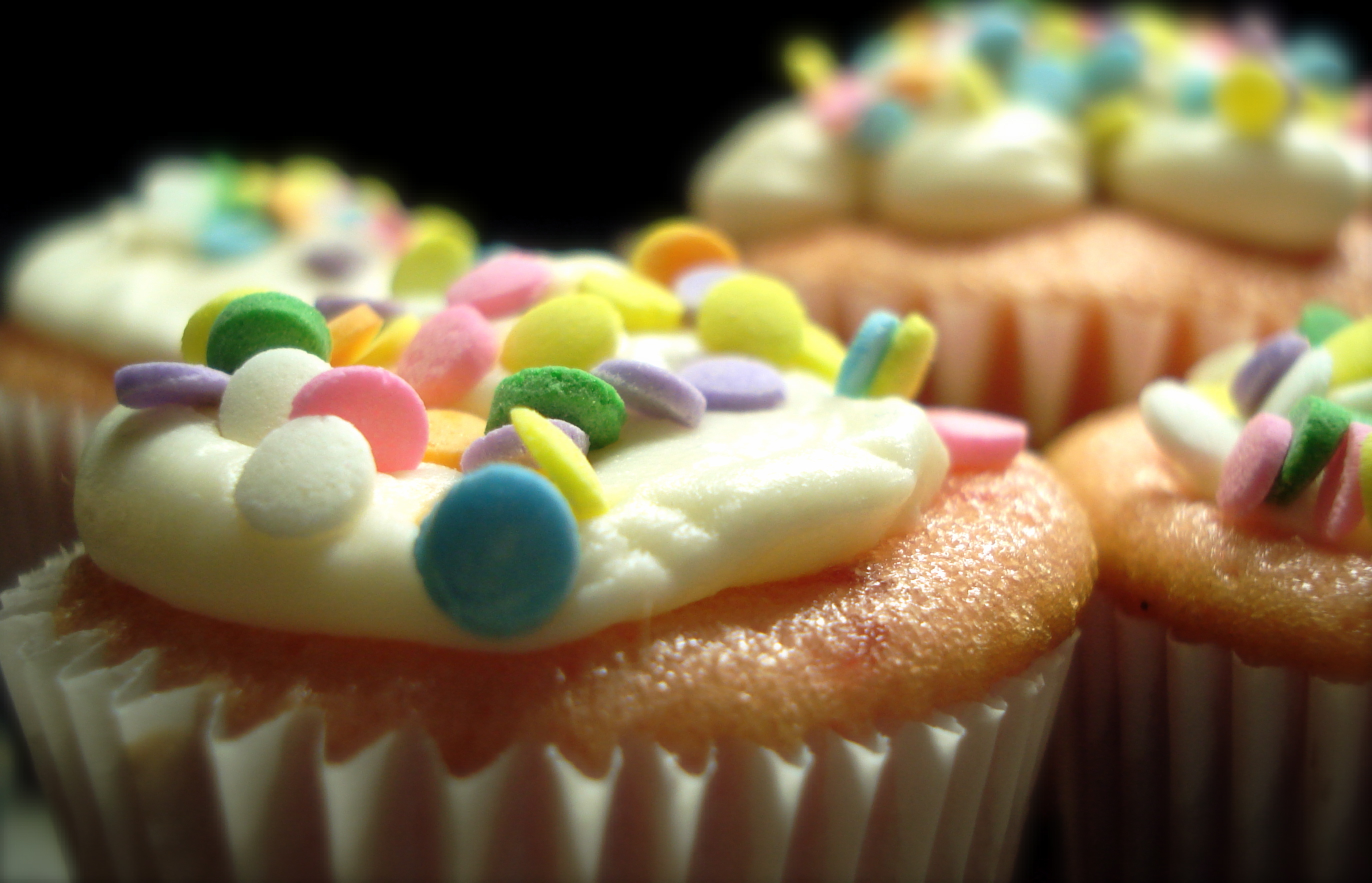 cupcakes muffins icing HD Wallpaper