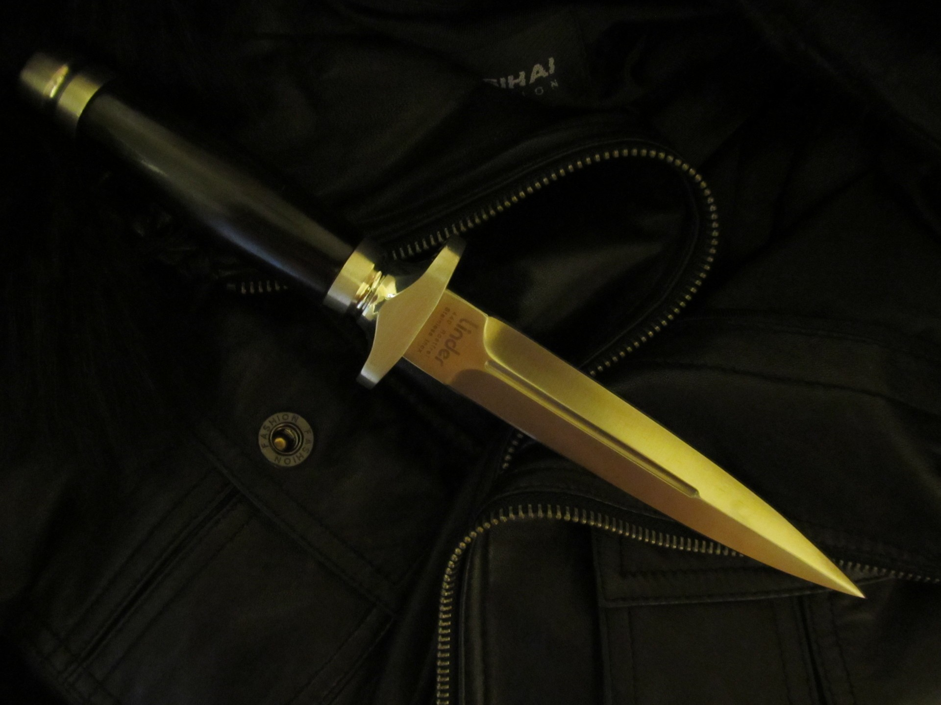 Daggers Knives edge HD Wallpaper