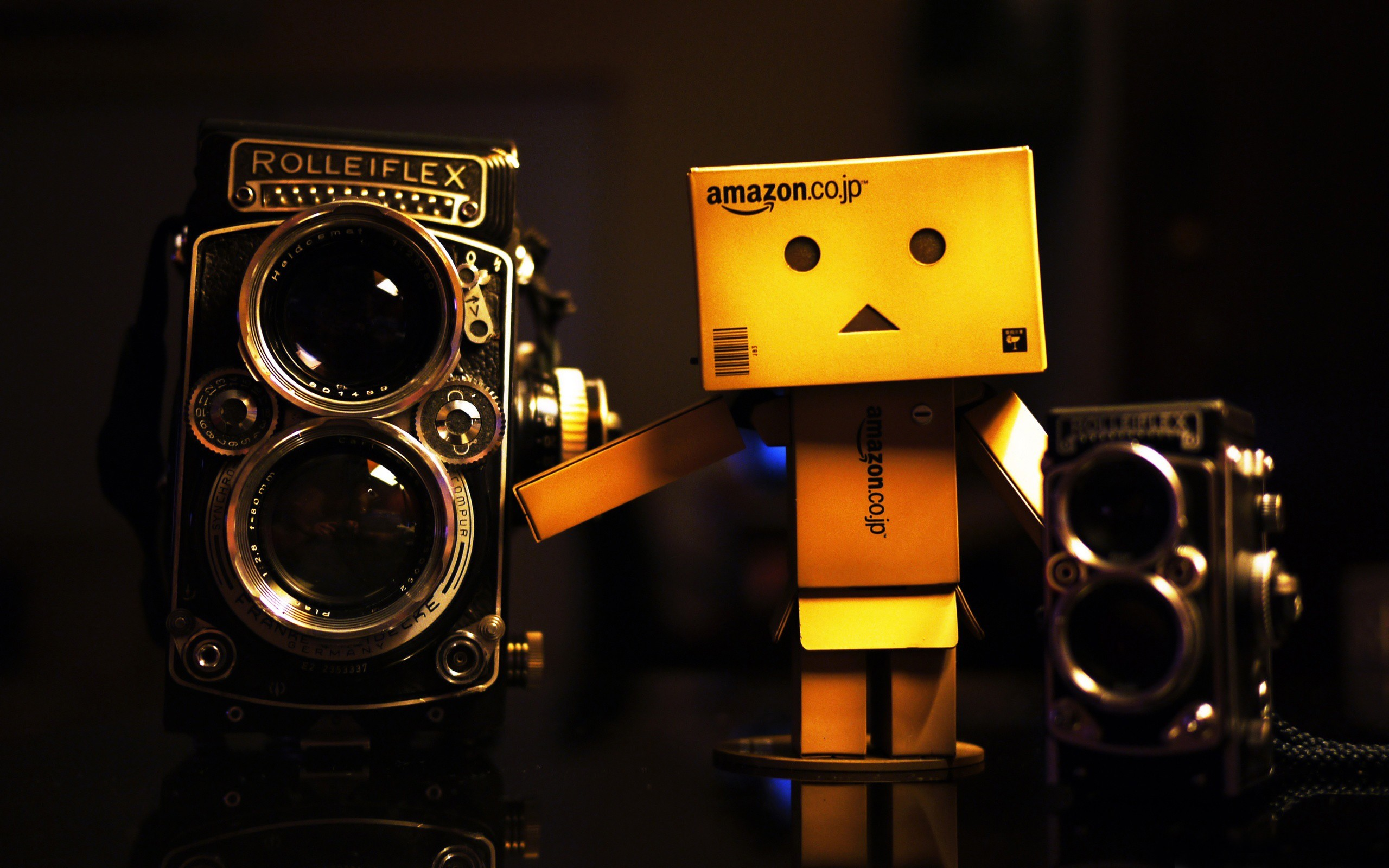 danboard amazon man box HD Wallpaper