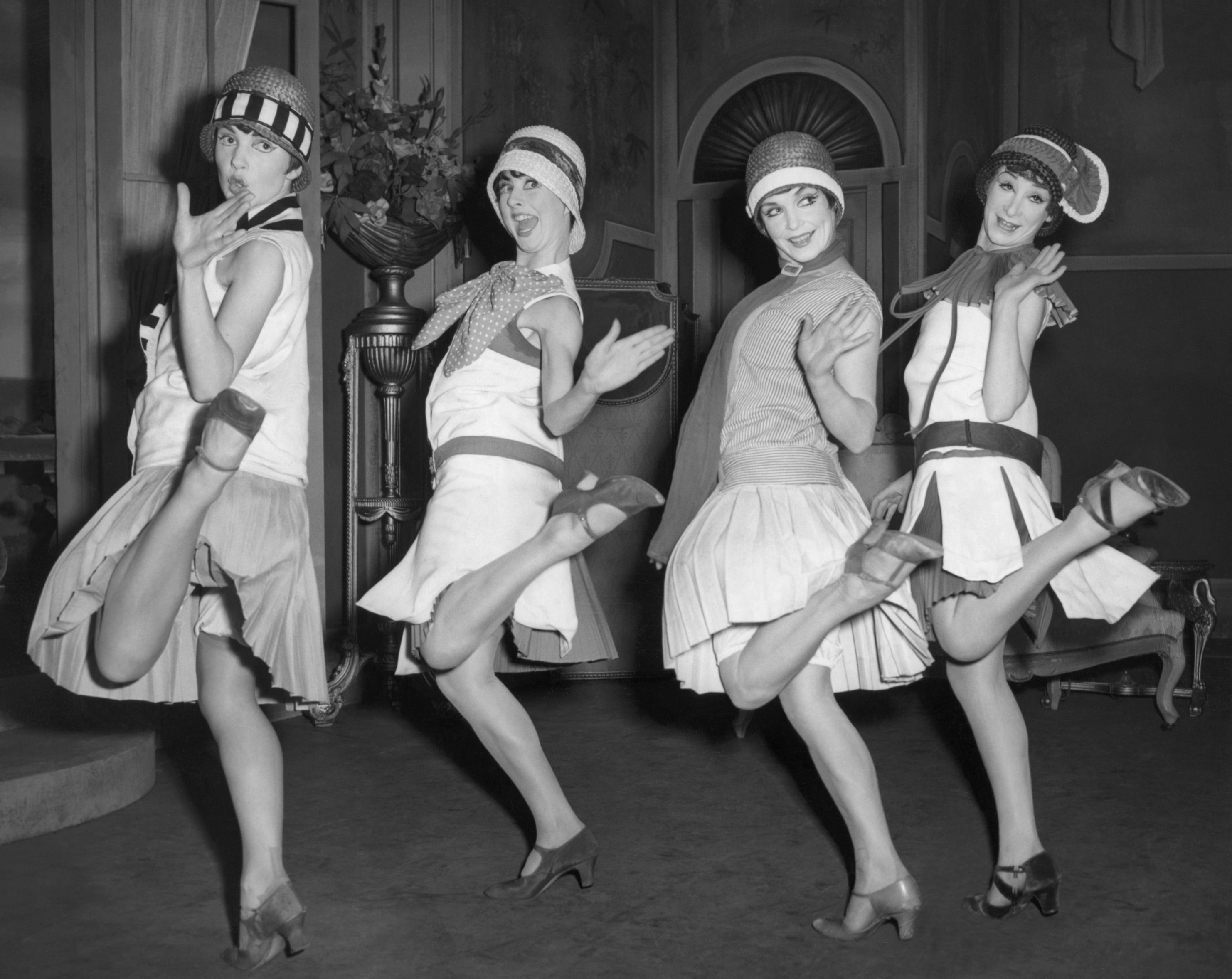 dancing girls vintage Music HD Wallpaper